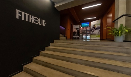 Virtual tour of a fitness club