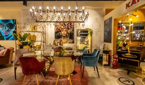 Virtual tour of a furniture showroom